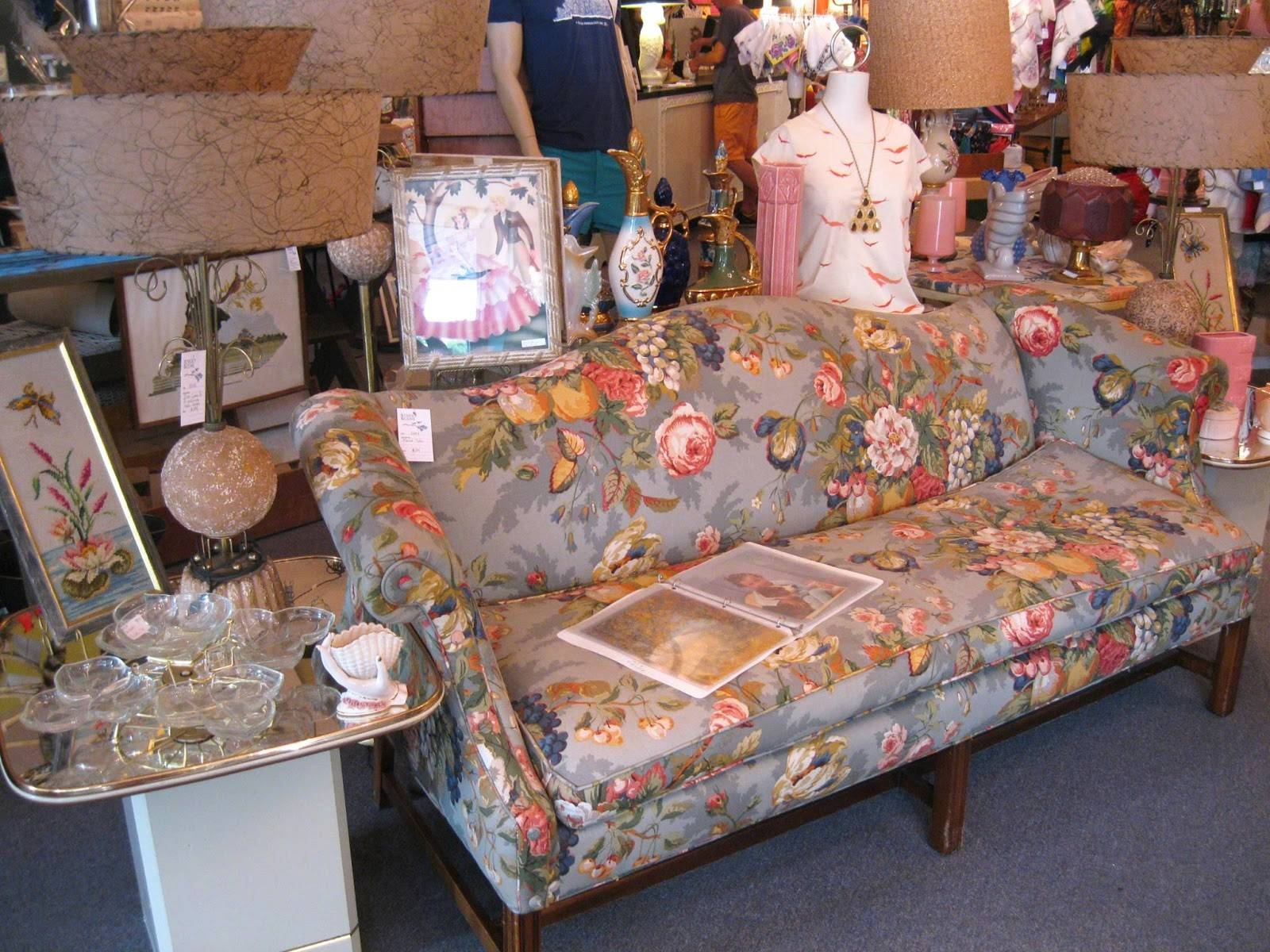 Chintz Sofa - Gallery Image Serenityrealm intended for Chintz Covered Sofas (Image 15 of 30)