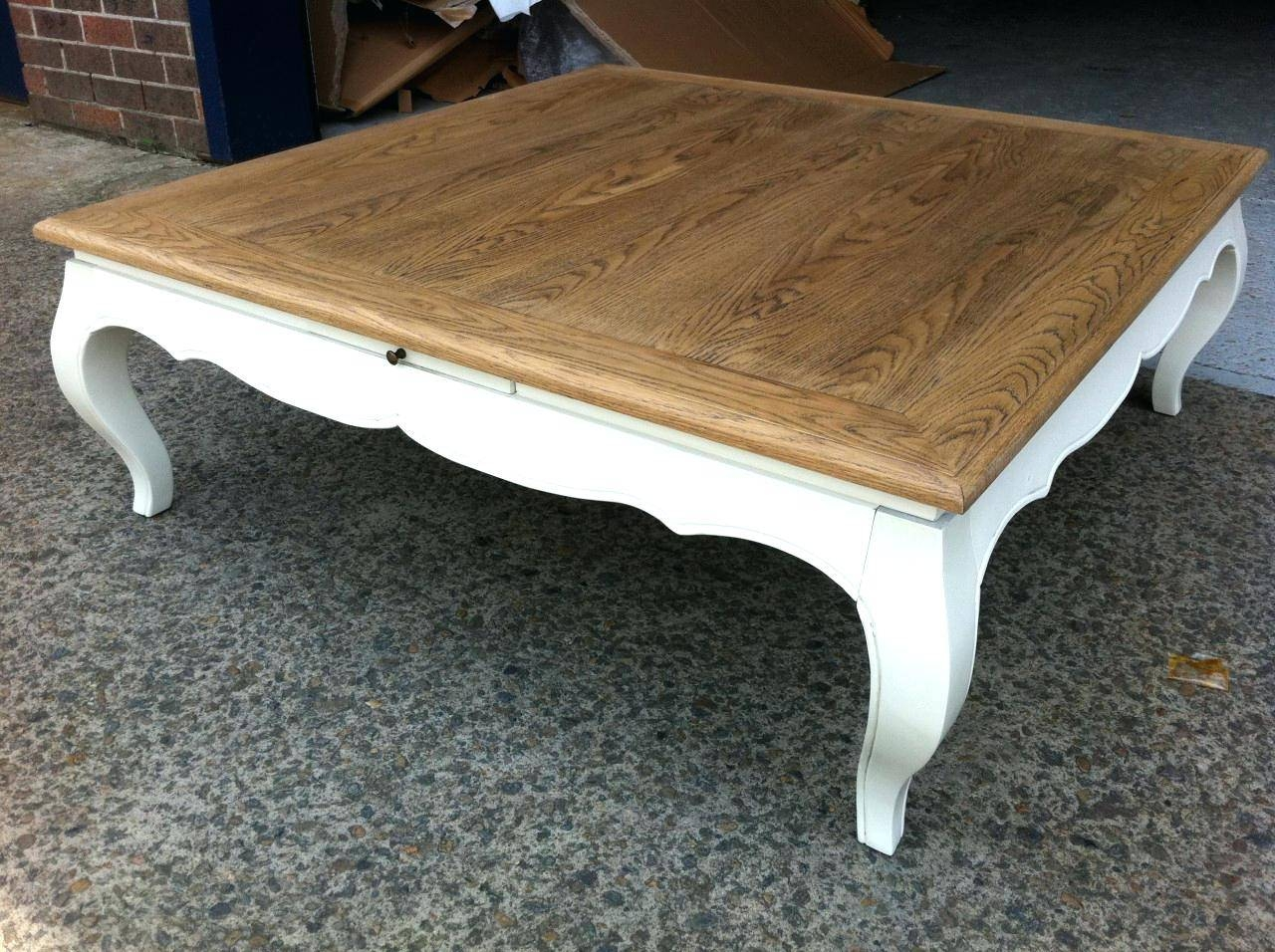 Coffee Table ~ French Country Round Coffee Table Coffetablewhite inside French Country Coffee Tables (Image 7 of 30)