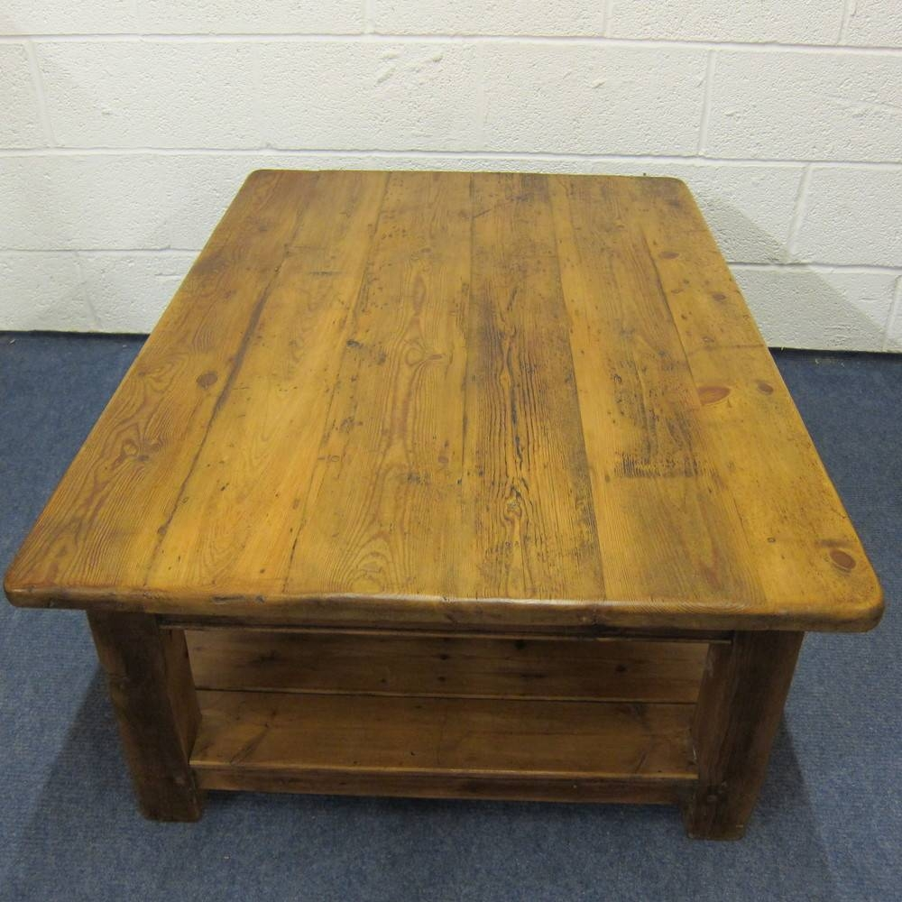 Coffee Tables Pine Oak And Solid Wood Round Tabl / Thippo within Round Pine Coffee Tables (Image 11 of 30)
