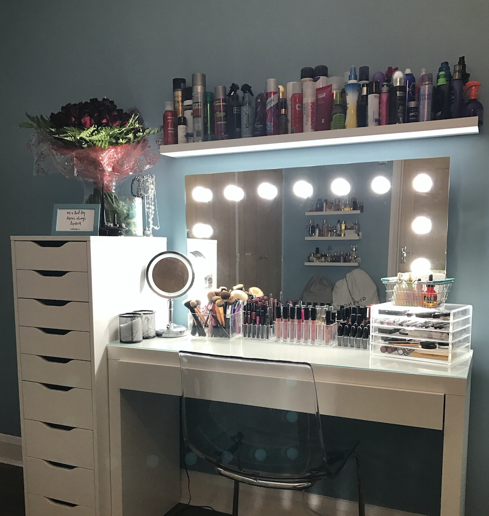 Creating The Ultimate Dressing Room With Hollywood Mirrors within Illuminated Dressing Table Mirrors (Image 12 of 25)
