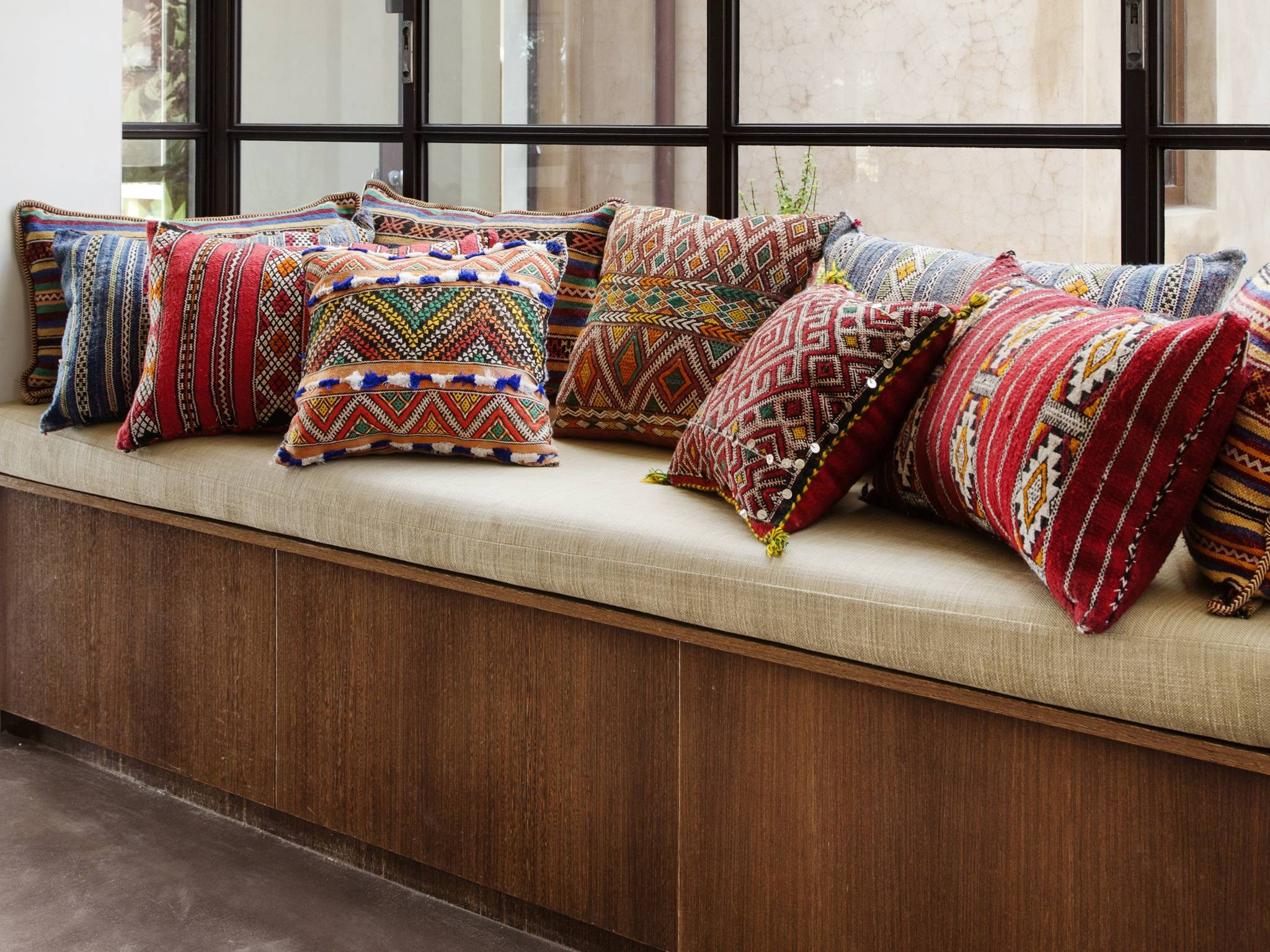 Cushions Dubai In Dubai, Buy Customized Cushions, Dubai Furniture regarding Customized Sofas (Image 4 of 30)