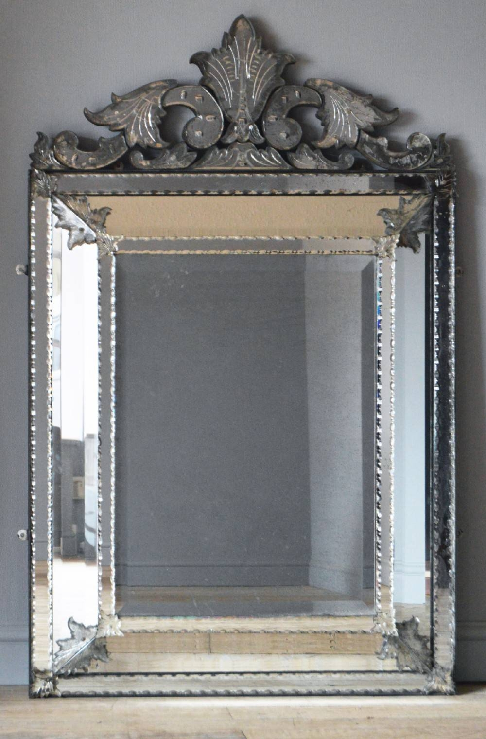 Decorating Ideas: Gorgeous Picture Of Accessories For Wall inside Venetian Antique Mirrors (Image 13 of 25)