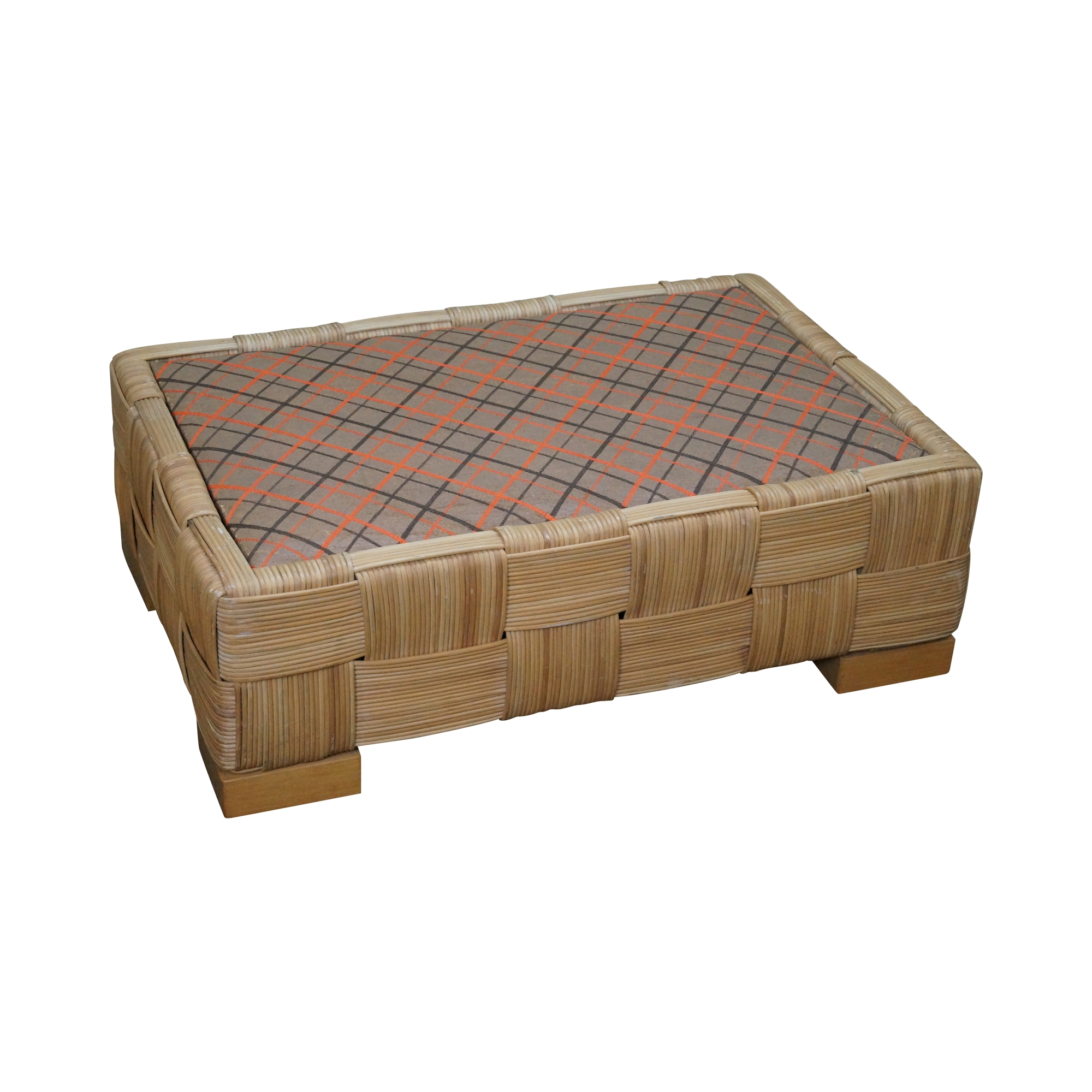 Decorating: Sophisticated Rattan Ottoman For Home Inspirations with regard to Round Woven Coffee Tables (Image 12 of 30)