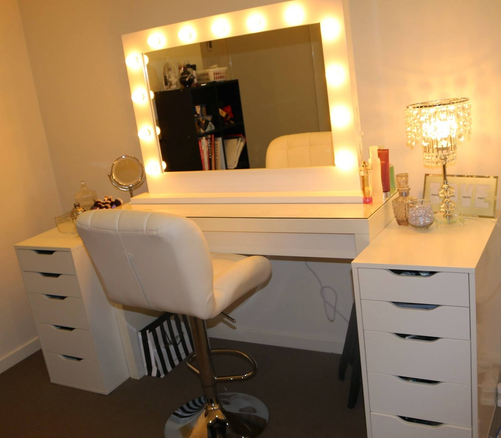 Decorations : Decorations Outstanding Square Mirrors With Light throughout Dressing Mirrors (Image 8 of 25)