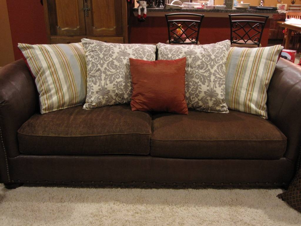 Decorative Pillows For Couch | Decorating Ideas with Oversized Sofa Pillows (Image 11 of 30)