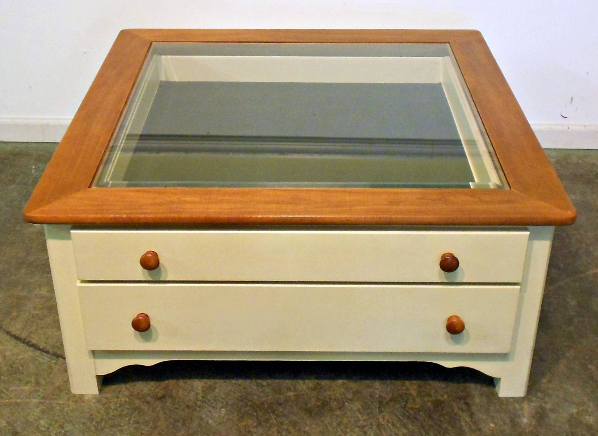 Display Coffee Tables for Glass Top Display Coffee Tables With Drawers (Image 16 of 30)