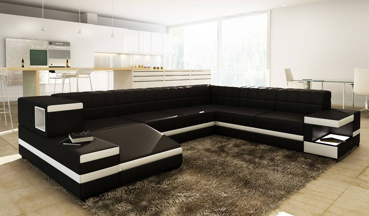 Divani Casa Fine Modern Sofas regarding Black and White Sectional Sofa (Image 11 of 30)