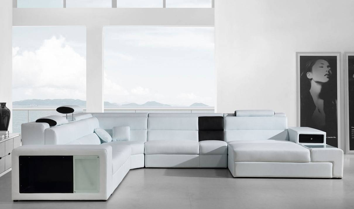 Divani Casa Polaris Contemporary Italian Leather Sectional Sofa In within Black and White Sectional Sofa (Image 12 of 30)