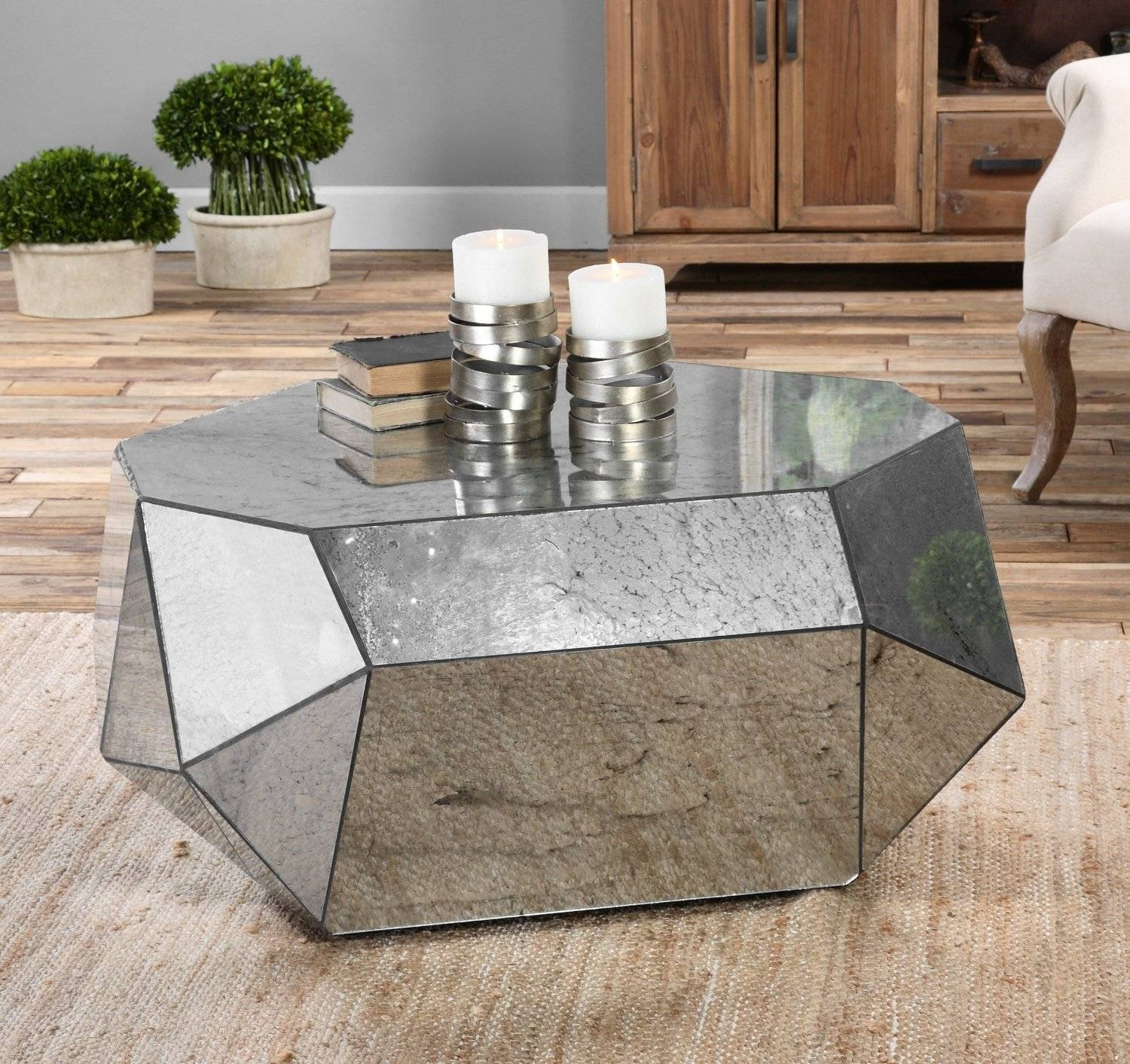 Diy Mirrored Coffee Table With Four Legs Mirror Furn / Thippo within Small Mirrored Coffee Tables (Image 6 of 30)