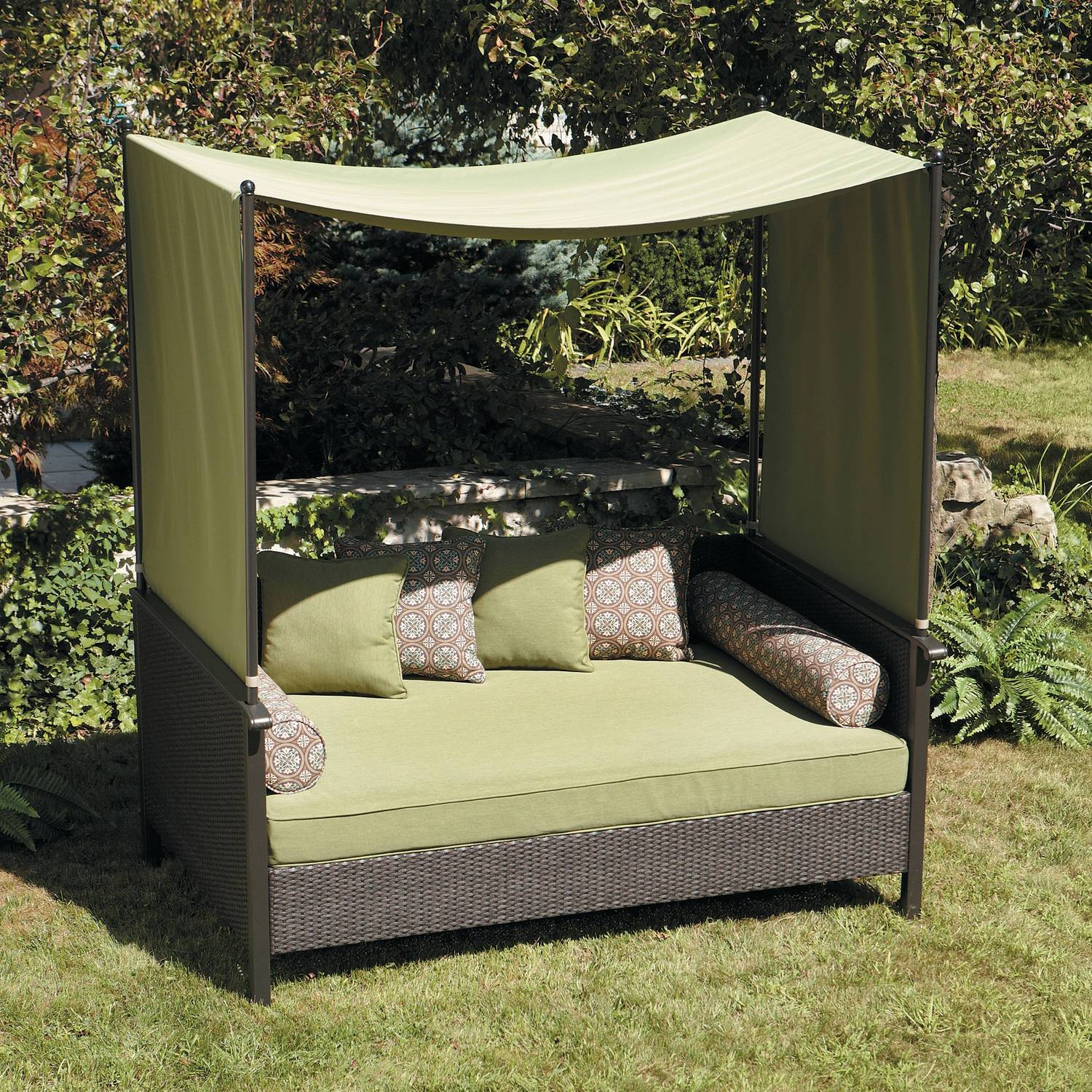 Exterior : Awesome Outdoor Lounge Bed Furniture With Red Canopy in Outdoor Sofas With Canopy (Image 10 of 30)