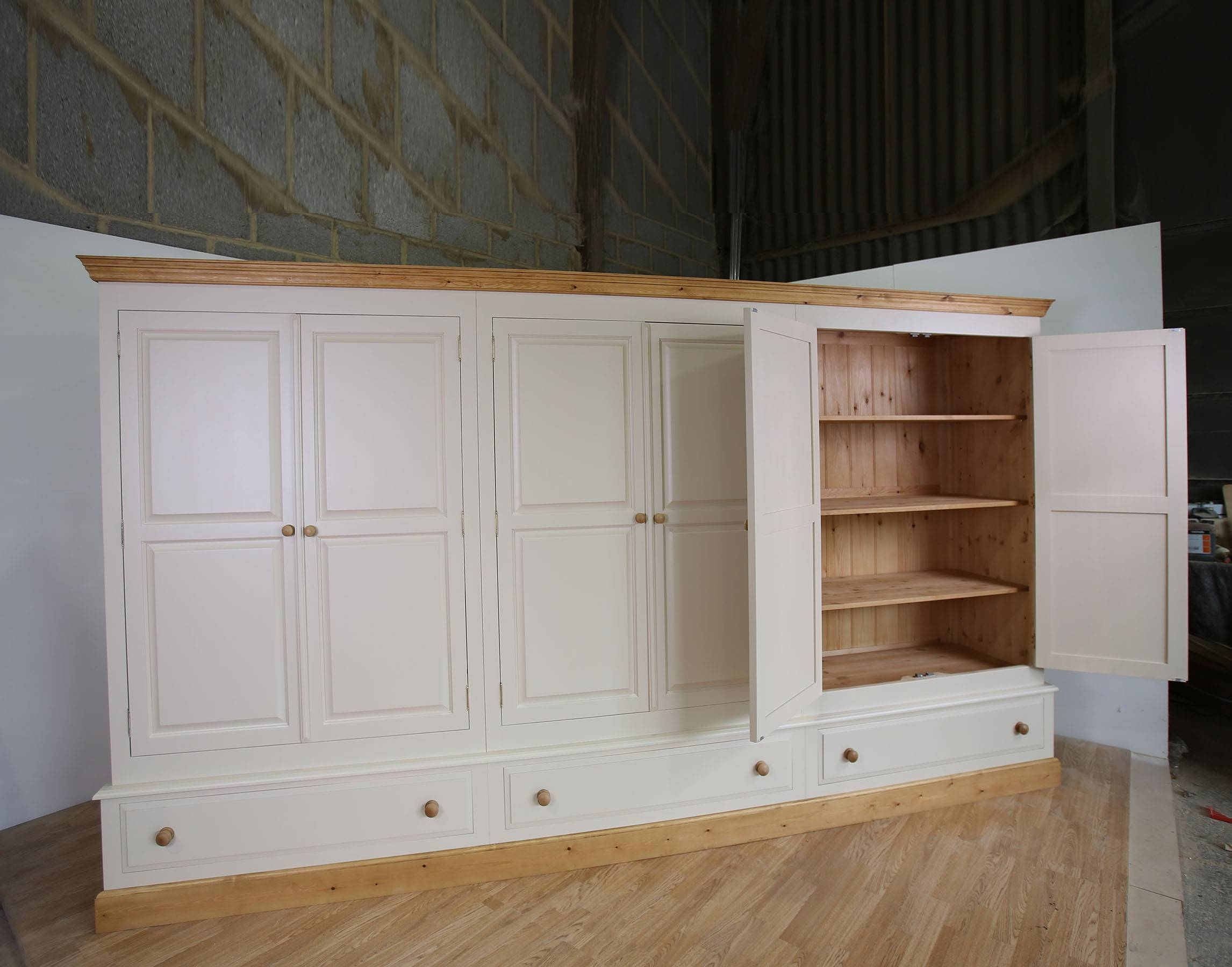 Farrow & Ball Painted Large 6 Door Wardrobe Full Fitted Pertaining To Large White Wardrobes (Photo 5 of 15)