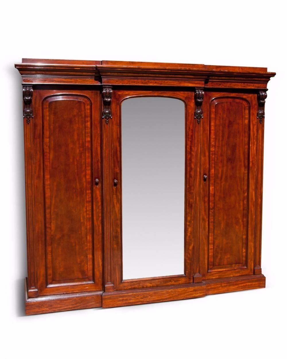 Fine Quality Victorian Mahogany Breakfront Wardrobe | 421778 in Victorian Breakfront Wardrobe (Image 2 of 30)
