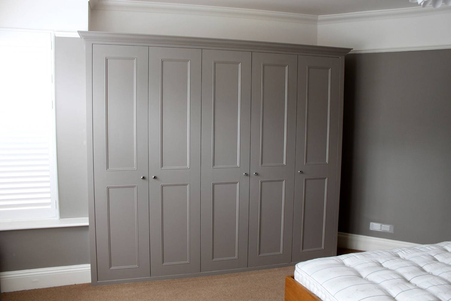 Fitted Wardrobes - Fitted Wardrobes In London, Bookshelves in Solid Wood Fitted Wardrobes (Image 13 of 30)