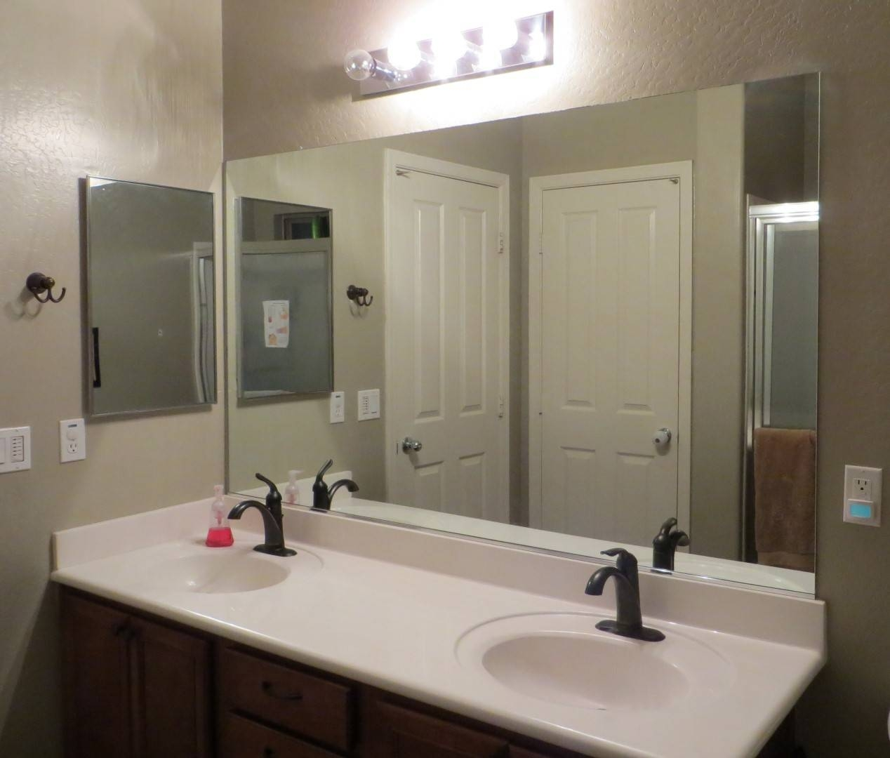 Frameless Bathroom Mirrors Ideas 2017 And Large Mirror Pictures throughout Large No Frame Mirrors (Image 8 of 25)