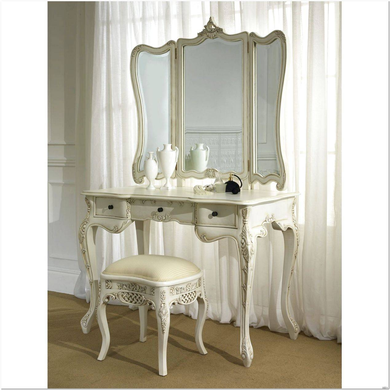 French Style Dressing Table Mirror Design Ideas   Interior Design With French Style Dressing Table Mirrors (Photo 13 of 25)