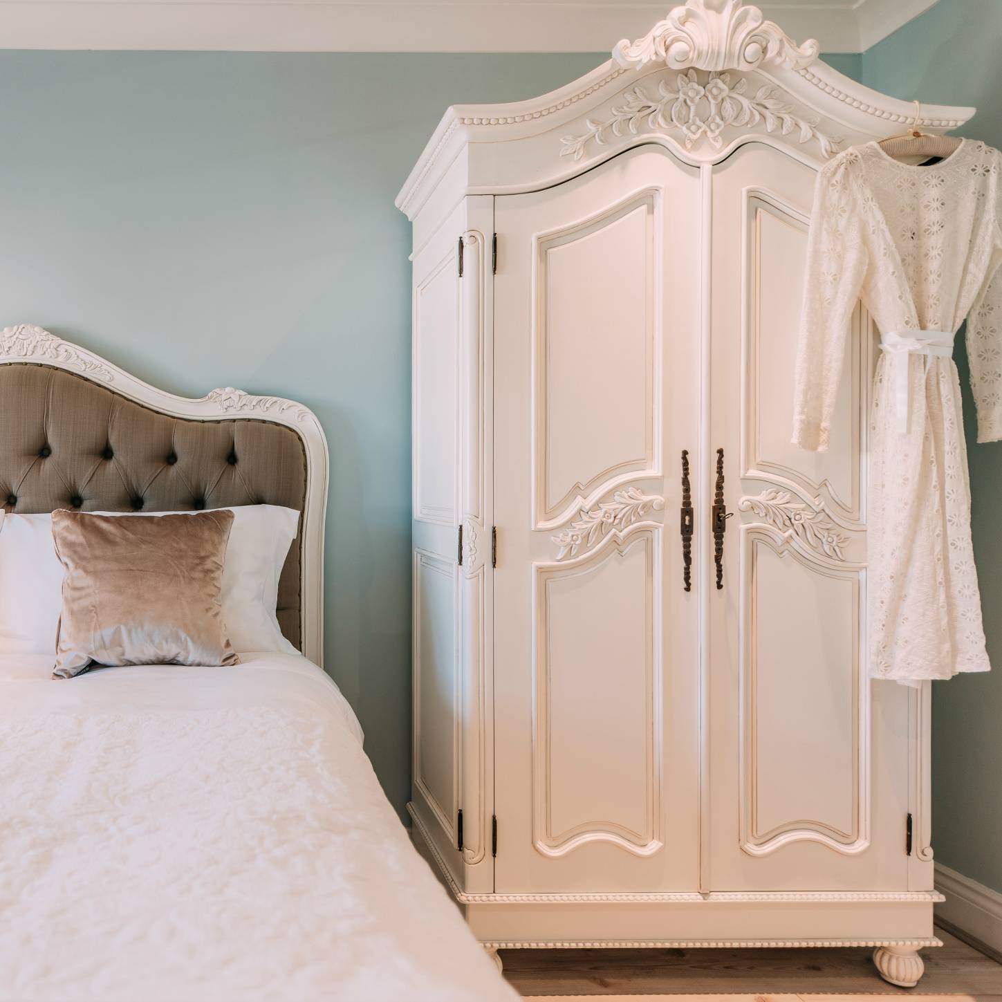 French White Hand Carved Double Armoire Wardrobe Furniture - La pertaining to French Armoire Wardrobes (Image 7 of 15)