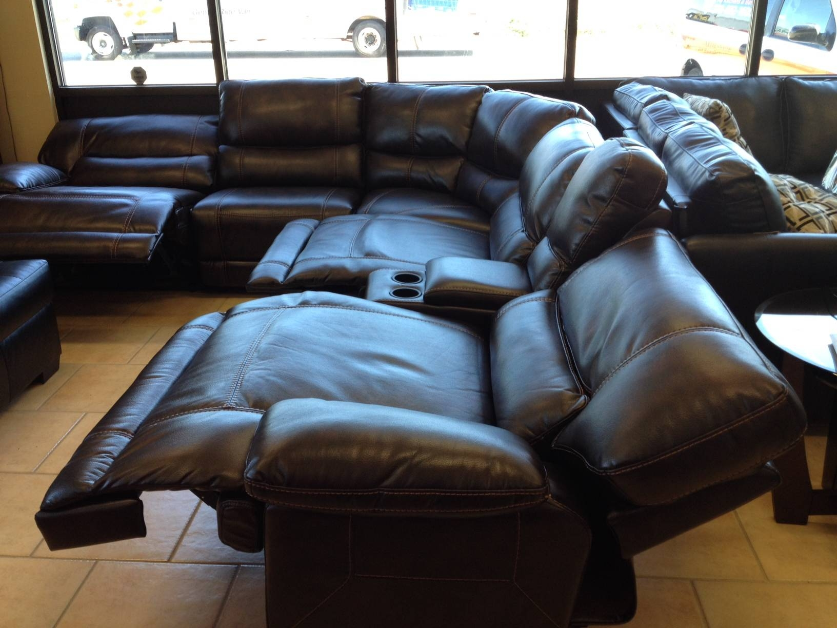 Furniture: Cheap Recliner | Oversized Recliner | Simmons Recliners with regard to Sectional Sofas With Electric Recliners (Image 8 of 30)