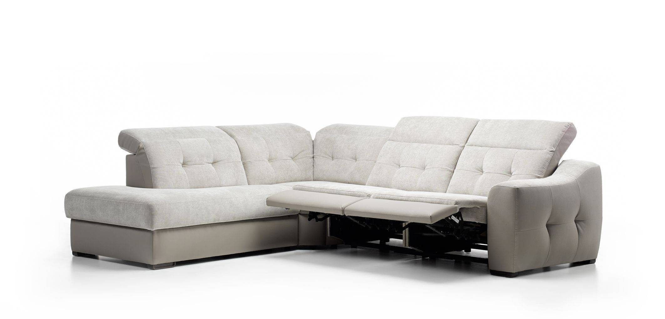 Furniture: Create Your Living Room With Cool Sectional Recliner throughout Sectional Sofa Recliners (Image 4 of 30)