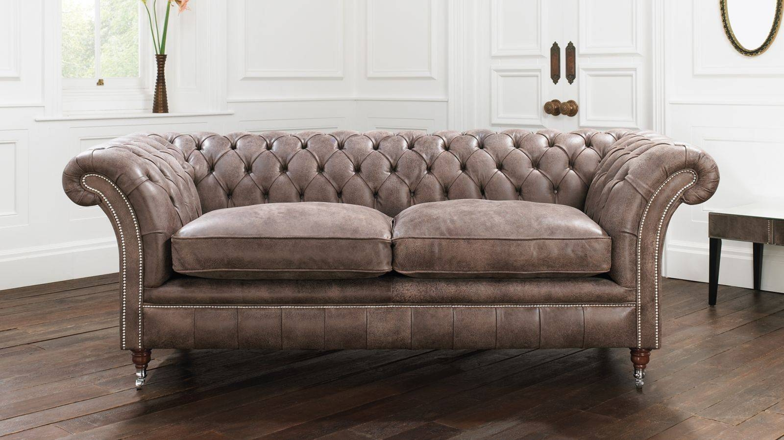 Furniture: Have A Luxury Living Room With The Elegant Chesterfield inside Tufted Leather Chesterfield Sofas (Image 11 of 30)