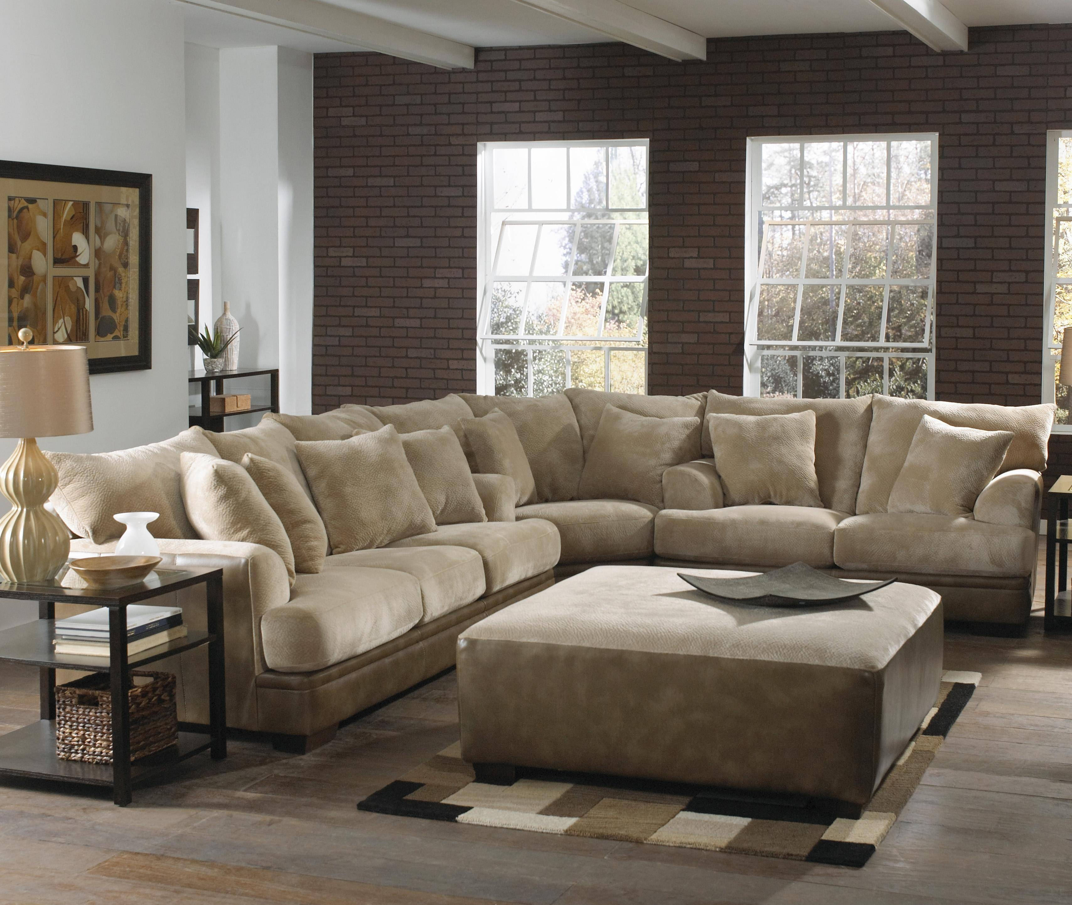 Furniture: Interesting Living Room Interior Using Large Sectional with regard to Comfy Sectional Sofa (Image 17 of 30)