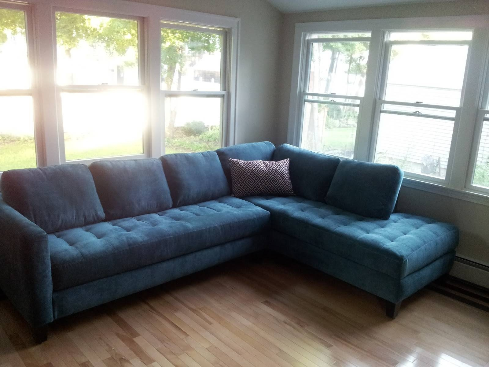 Furniture: Sophisticated Velvet Tufted Sofa For Living Room for Blue Tufted Sofas (Image 17 of 30)