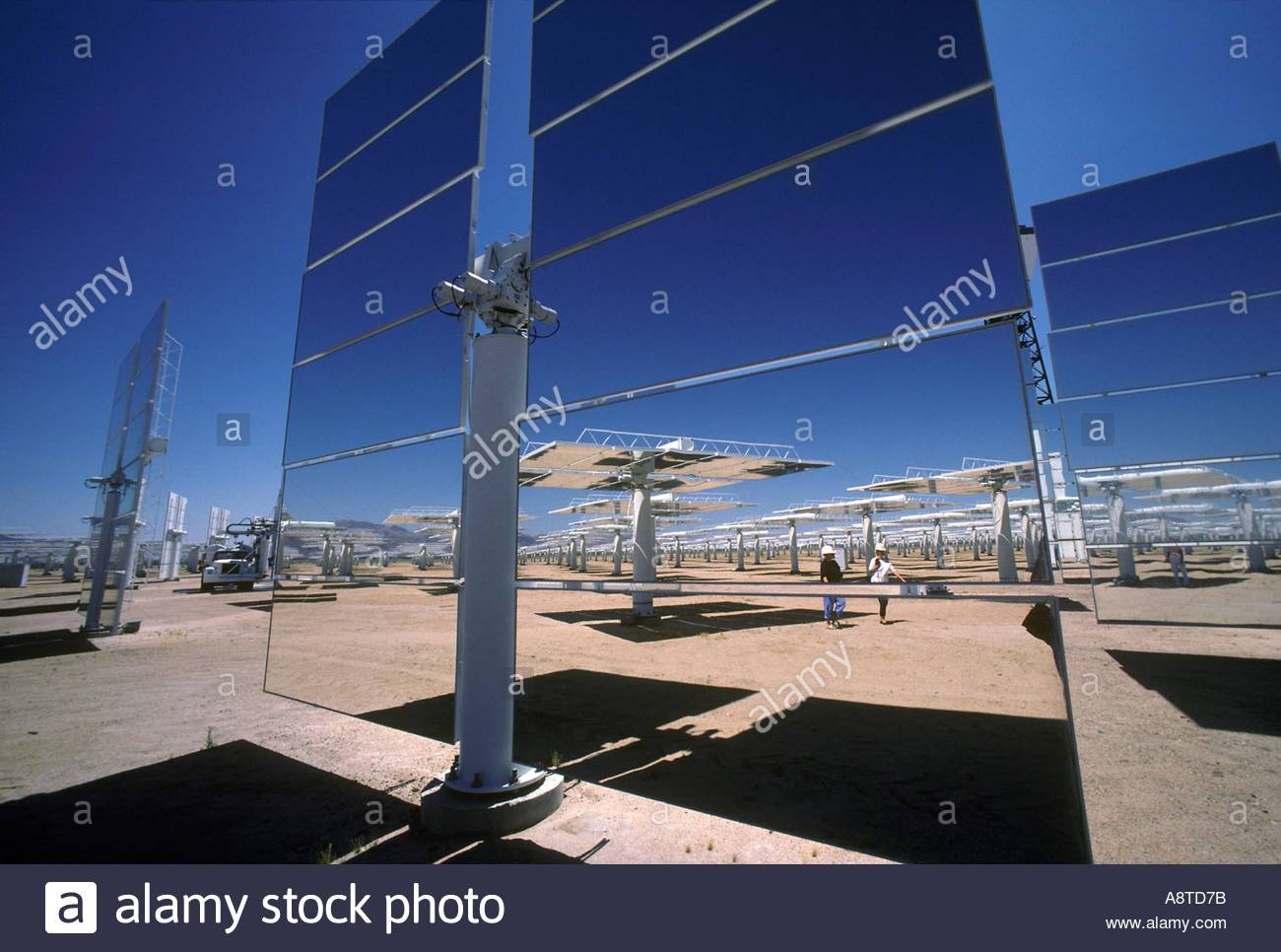Giant Mirrors Of The Solar One Solar Power Plant Dagget California in Giant Mirrors (Image 22 of 25)