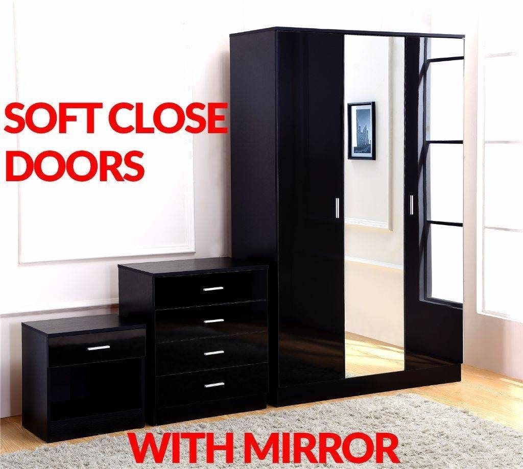 Gladini Xl Mirrored Black High Gloss 3 Door 3 Piece Bedroom in Black High Gloss Wardrobes (Image 8 of 15)