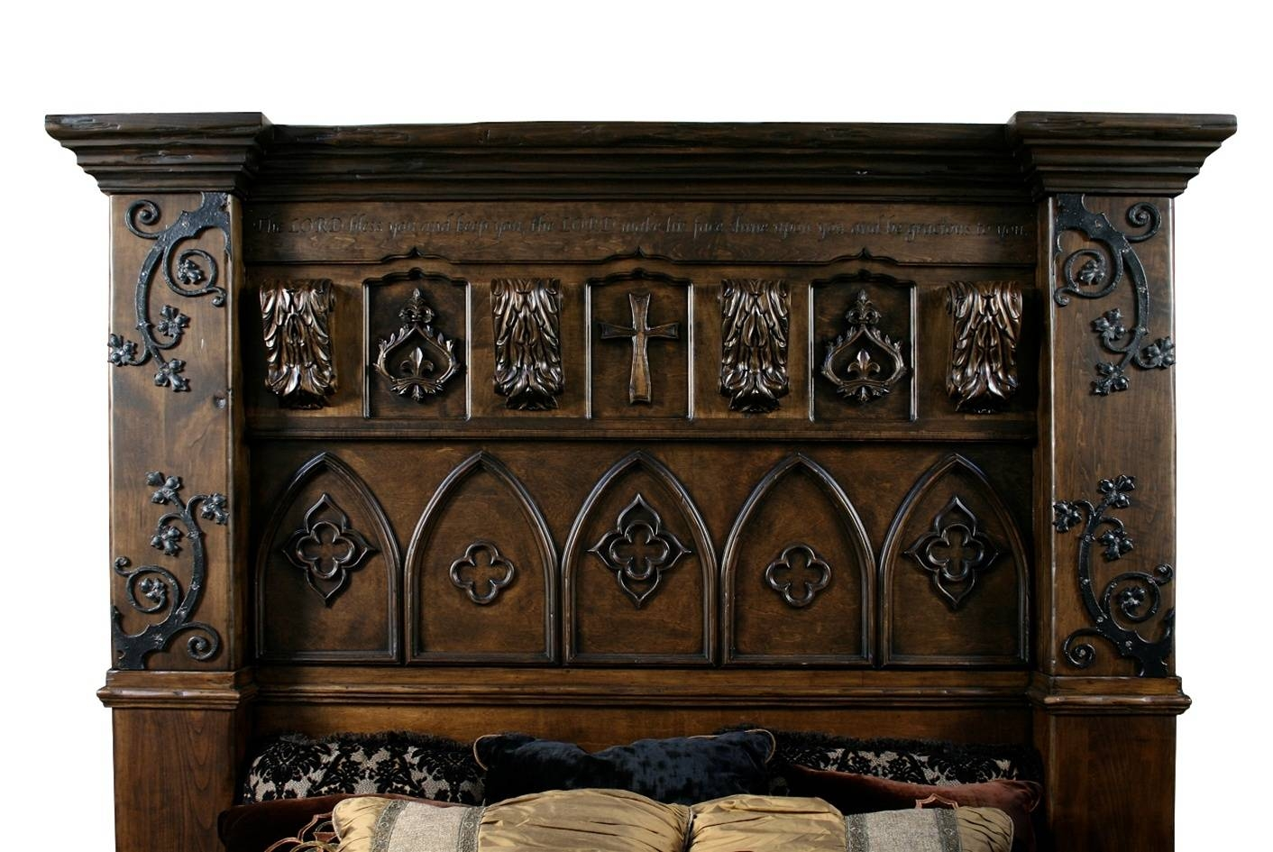 Gothic High Style Bed High End Bedroom Set in Gothic Sofas (Image 19 of 30)