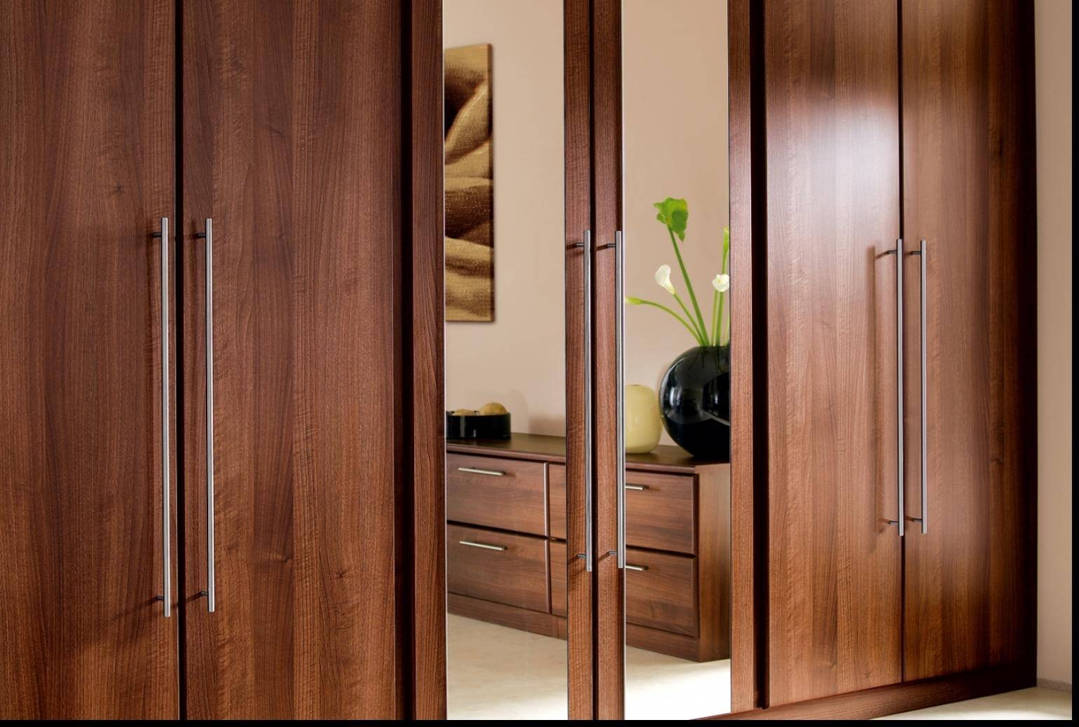 Grand Bedroom Wardrobe Designs With Mirror 2 Mirrored Sliding regarding Brown Wardrobes (Image 5 of 15)