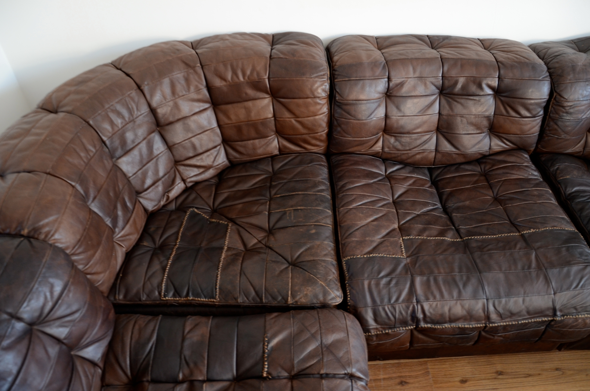 Great Vintage Leather Sofa - Myonehouse regarding Victorian Leather Sofas (Image 5 of 30)