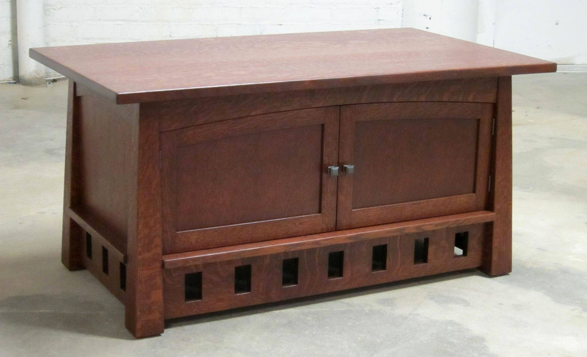 Handmade Arts-And-Crafts Pagoda Coffee Table And Blanket Chest inside Blanket Box Coffee Tables (Image 17 of 30)
