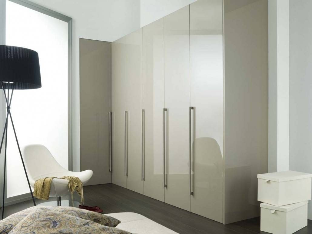 High Gloss White Sliding Wardrobe Doors - Saudireiki for High Gloss Wardrobes (Image 6 of 15)