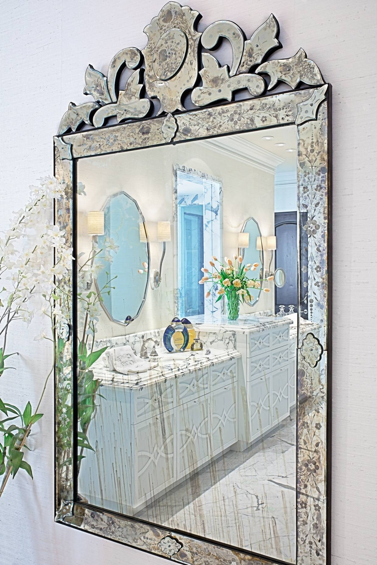 Interior: Antique Venetian Mirrors Oval Venetian Mirror Venetian within Venetian Wall Mirrors (Image 11 of 25)