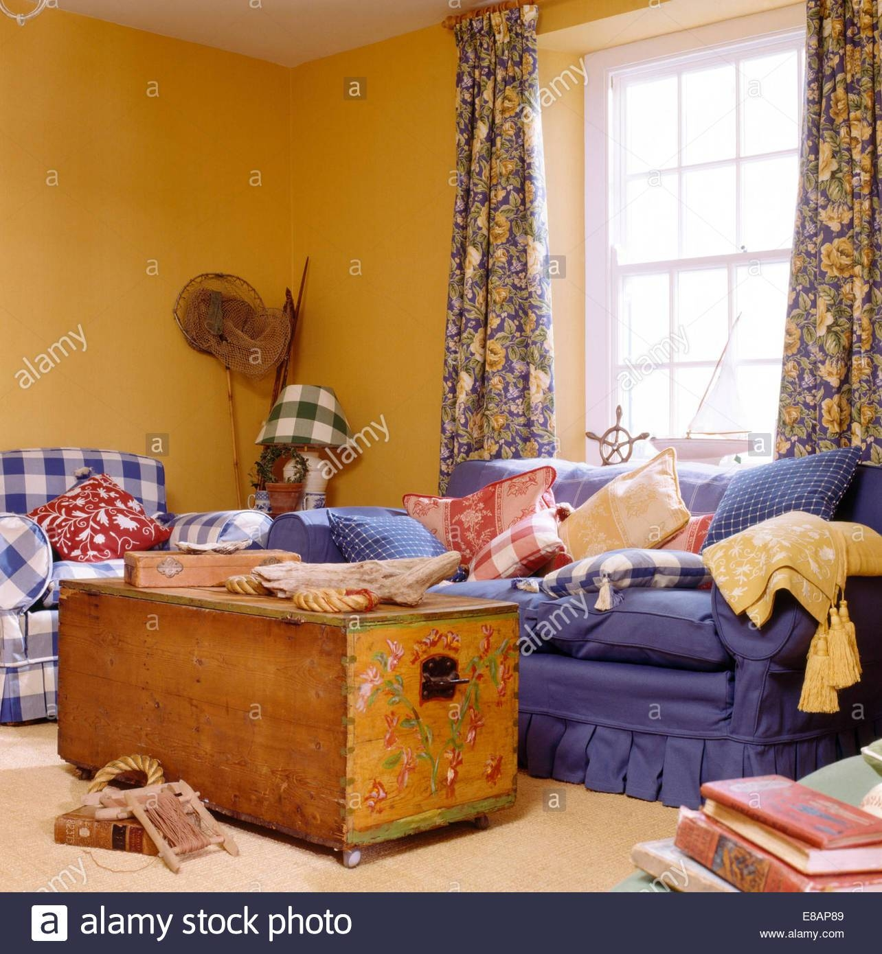 Interiors Sittingroom Sofa Yellow Stock Photos & Interiors throughout Yellow Chintz Sofas (Image 24 of 30)