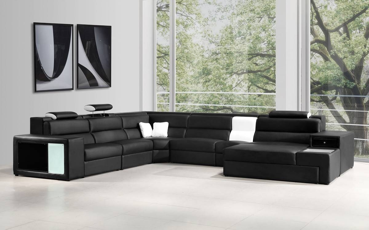 Italian Leather Sectional Sofa In Black in Black and White Sectional Sofa (Image 17 of 30)