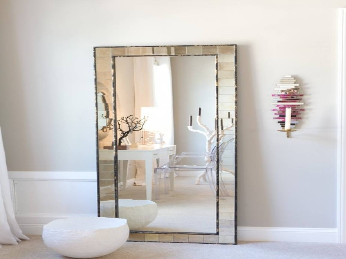 Jenner Bedroom Mirrors Jenners Bedrooms Kylie Jenner Bedroom with Vintage Full Length Mirrors (Image 19 of 25)