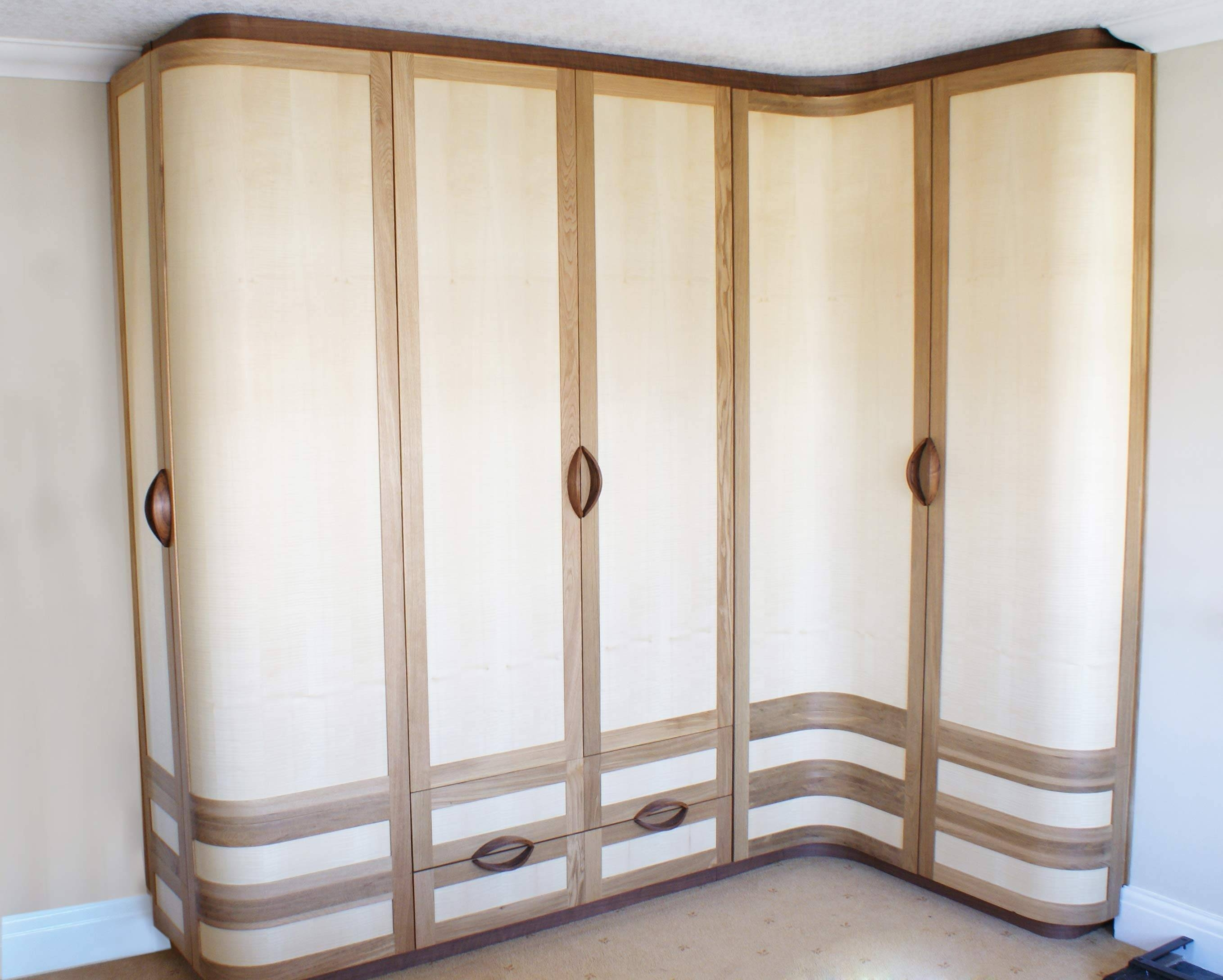 Kella Curved Wardrobes For Curved Corner Wardrobe Doors (View 25 of 30)