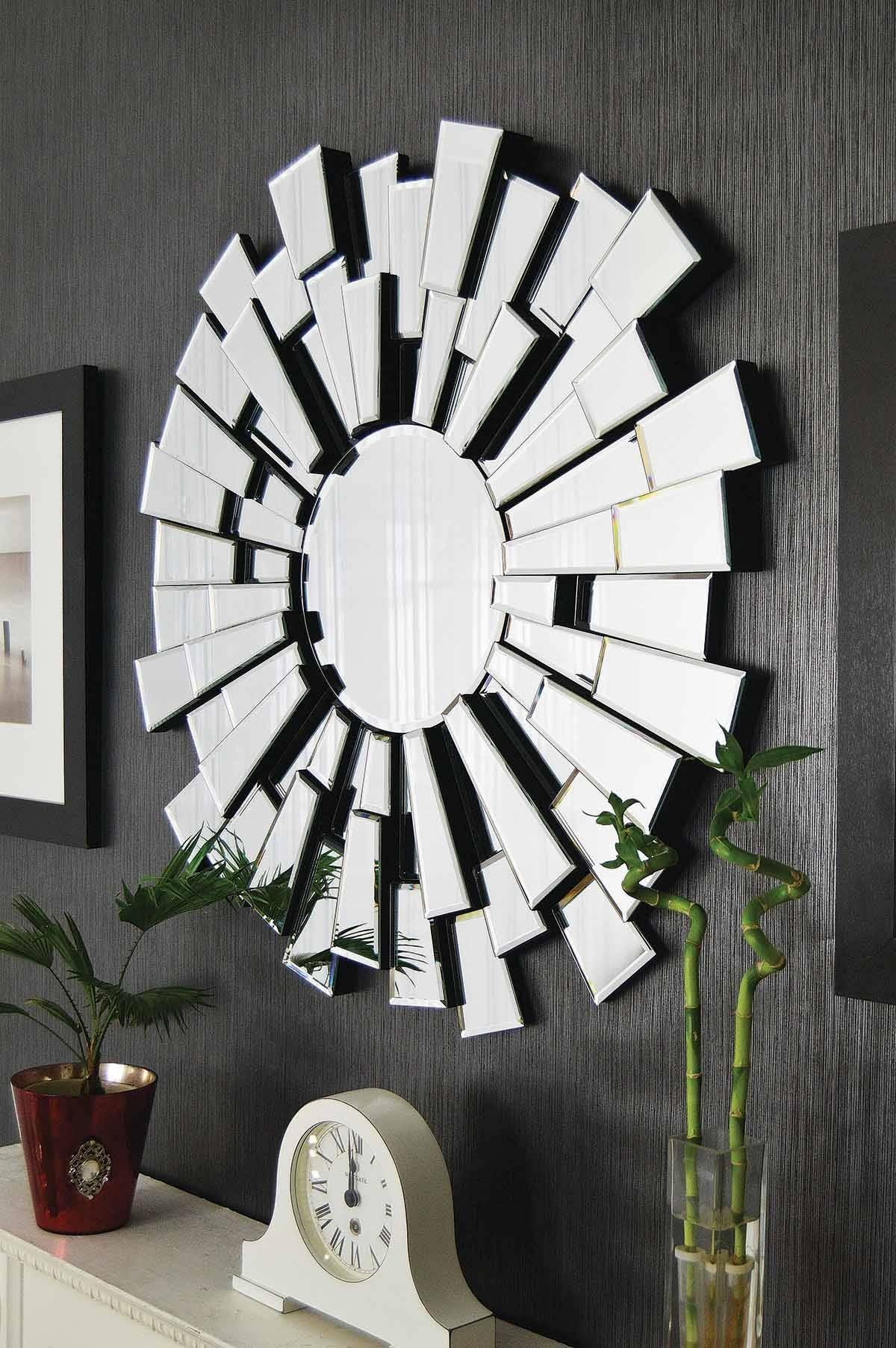 Large Circular Wall Mirrors 109 Stunning Decor With Dazzling Round in Large Circular Mirrors (Image 12 of 25)