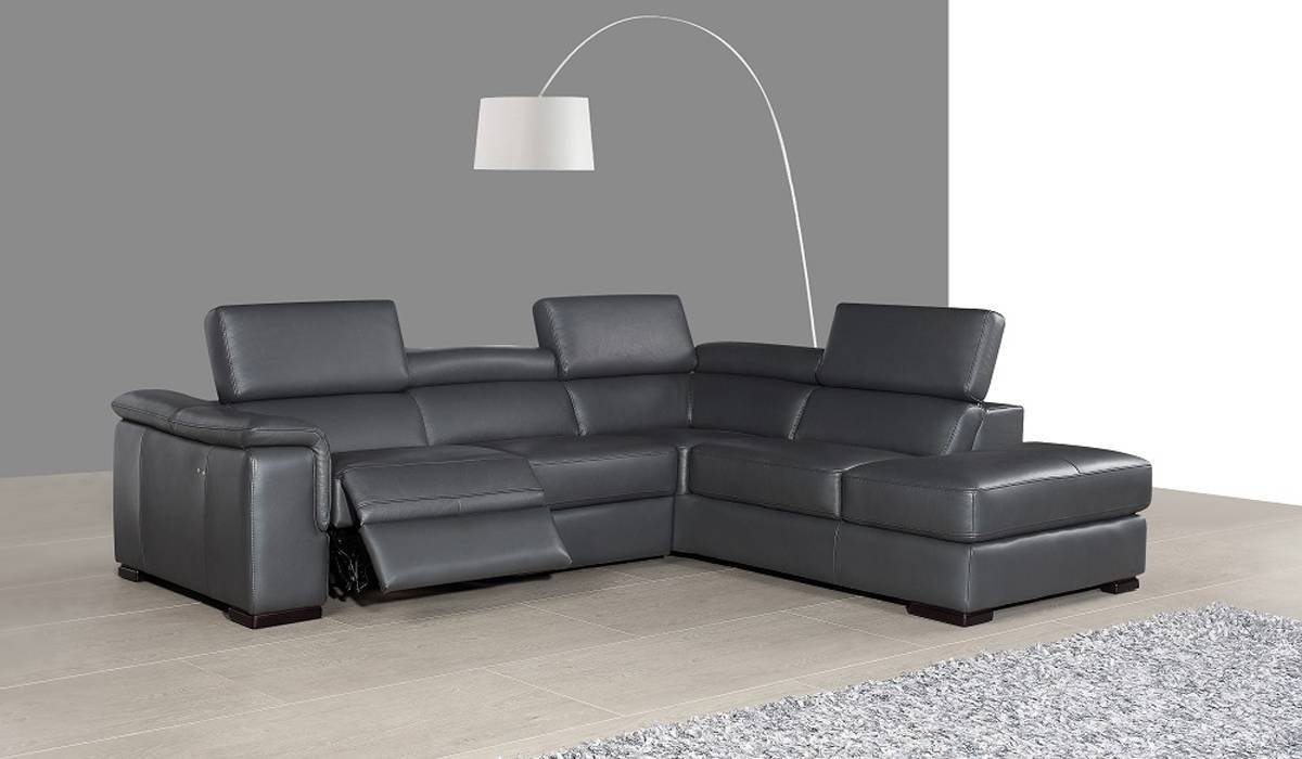 Leather Sectionals With Recliners. Sofas With Power Reclining Footrest for Modern Reclining Leather Sofas (Image 12 of 30)