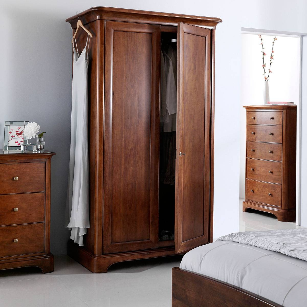 Featured Photo of Willis And Gambier Wardrobes