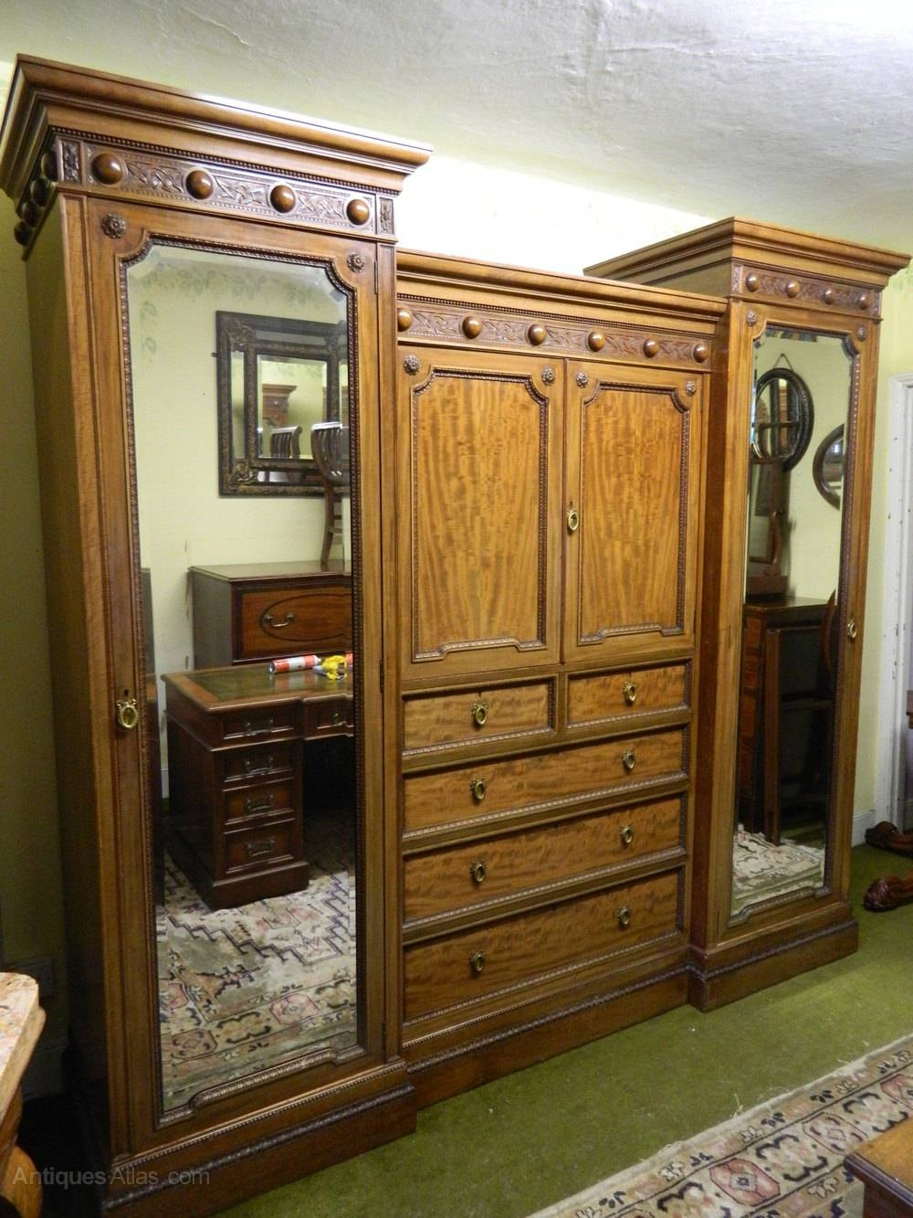 Mahogany Breakfront Wardrobe - Antiques Atlas regarding Breakfront Wardrobe (Image 13 of 30)