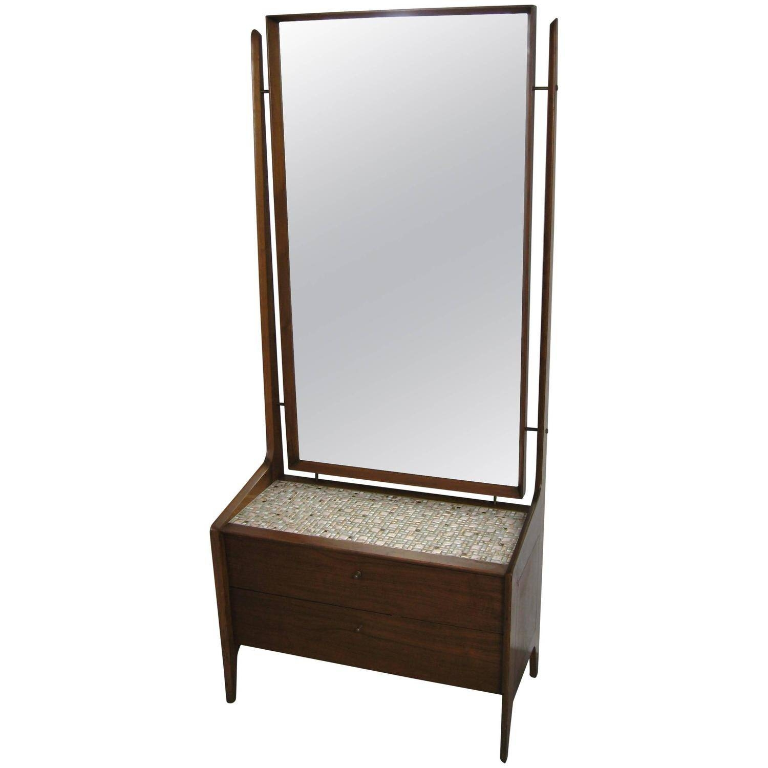Featured Photo of Modern Cheval Mirrors