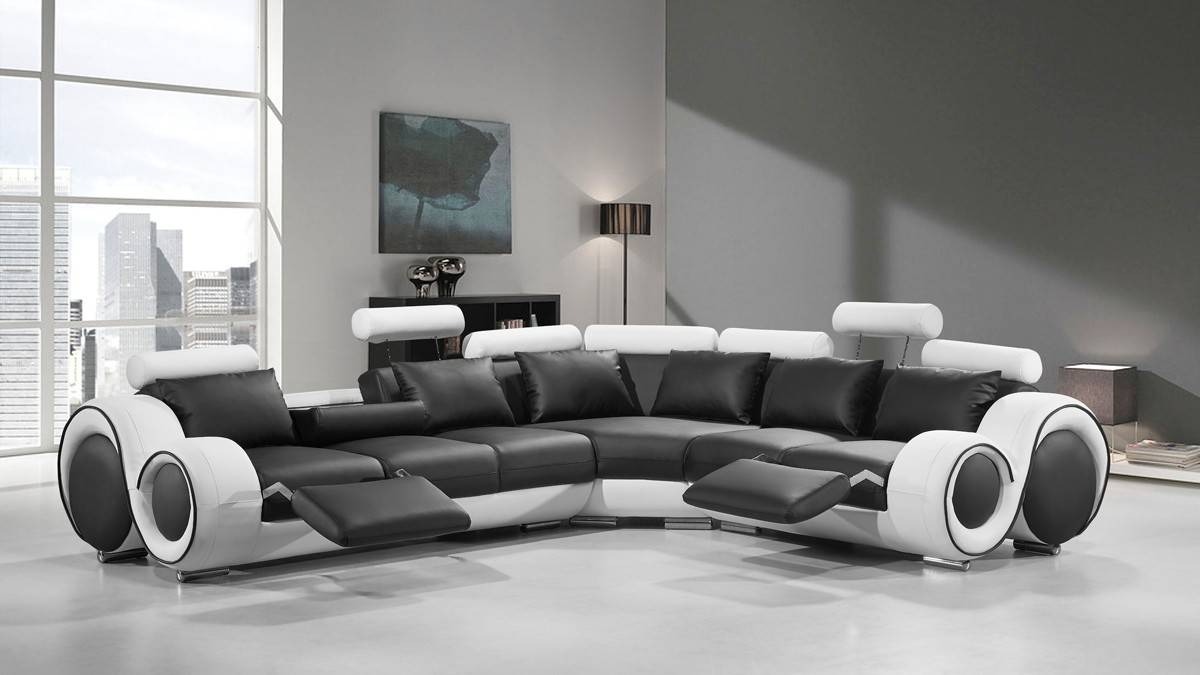 Modern Leather Sectional Sofa With Recliners With Regard To Black And White Sectional Sofa (View 6 of 30)