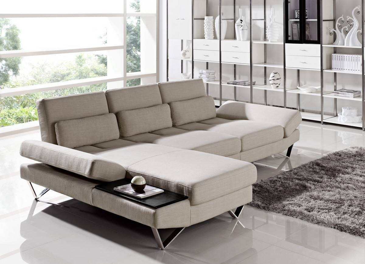 Modern Sectionals. Knight Moves Stunning Sectionals. Sofa in Modern Sofas Sectionals (Image 19 of 30)