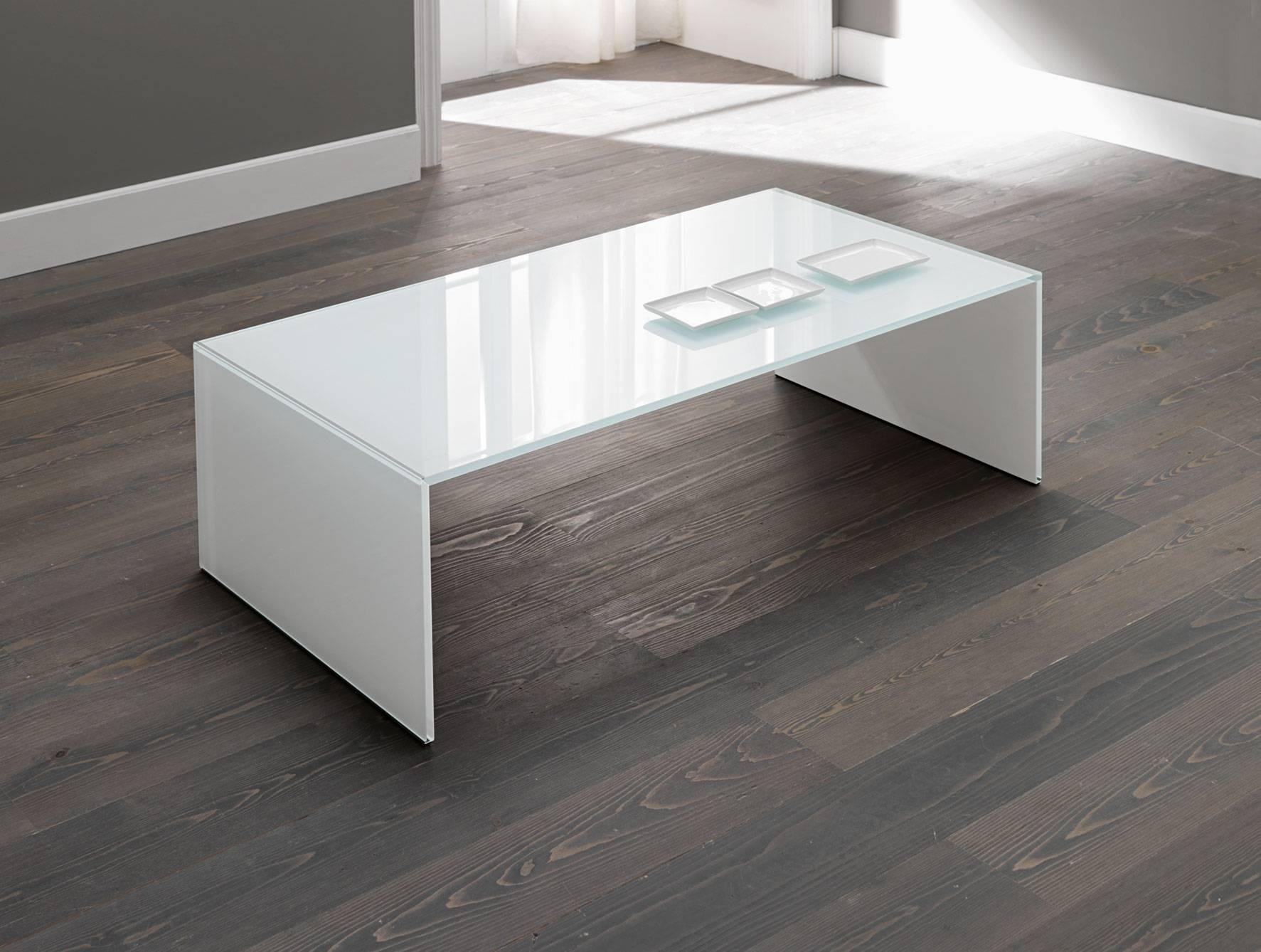 Nella Vetrina Tonelli Qubik Modern White Italian Glass Coffee Table pertaining to White And Glass Coffee Tables (Image 22 of 30)