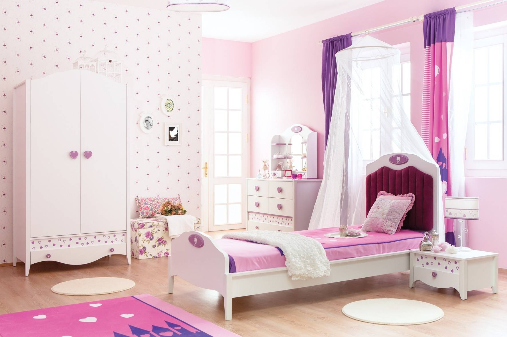 Newjoy Princess Girl's Bedroom Furniture Set with Princess Wardrobes (Image 8 of 15)