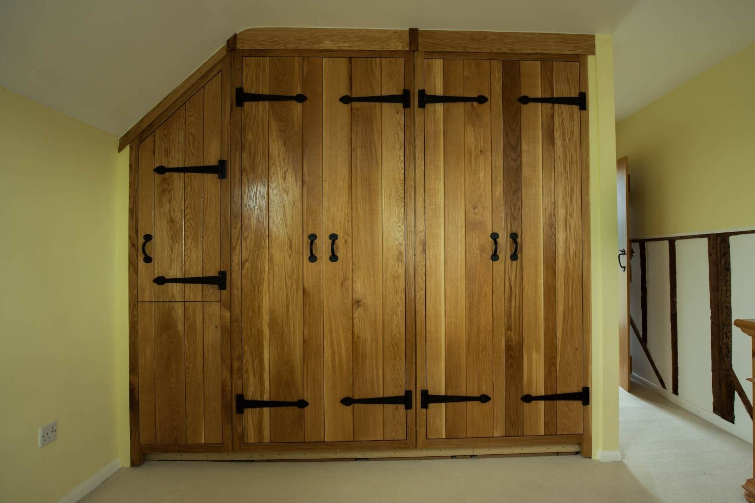 Oak Fitted Wardrobes In St Albans, Harpenden, Hitchin, Hertfordshire throughout Country Style Wardrobes (Image 10 of 15)