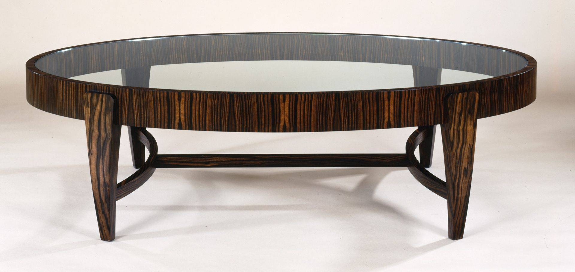Oval Coffee Tables With Natural Accent Of Small Room - Ruchi Designs in Black Oval Coffee Table (Image 23 of 30)
