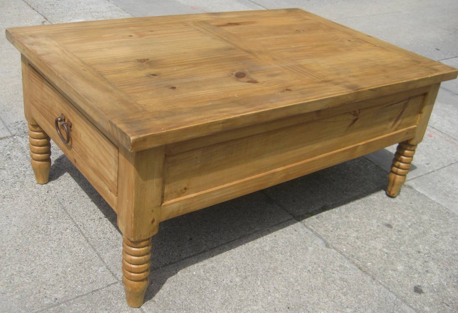 Pine Coffee Tables for Square Pine Coffee Tables (Image 20 of 30)