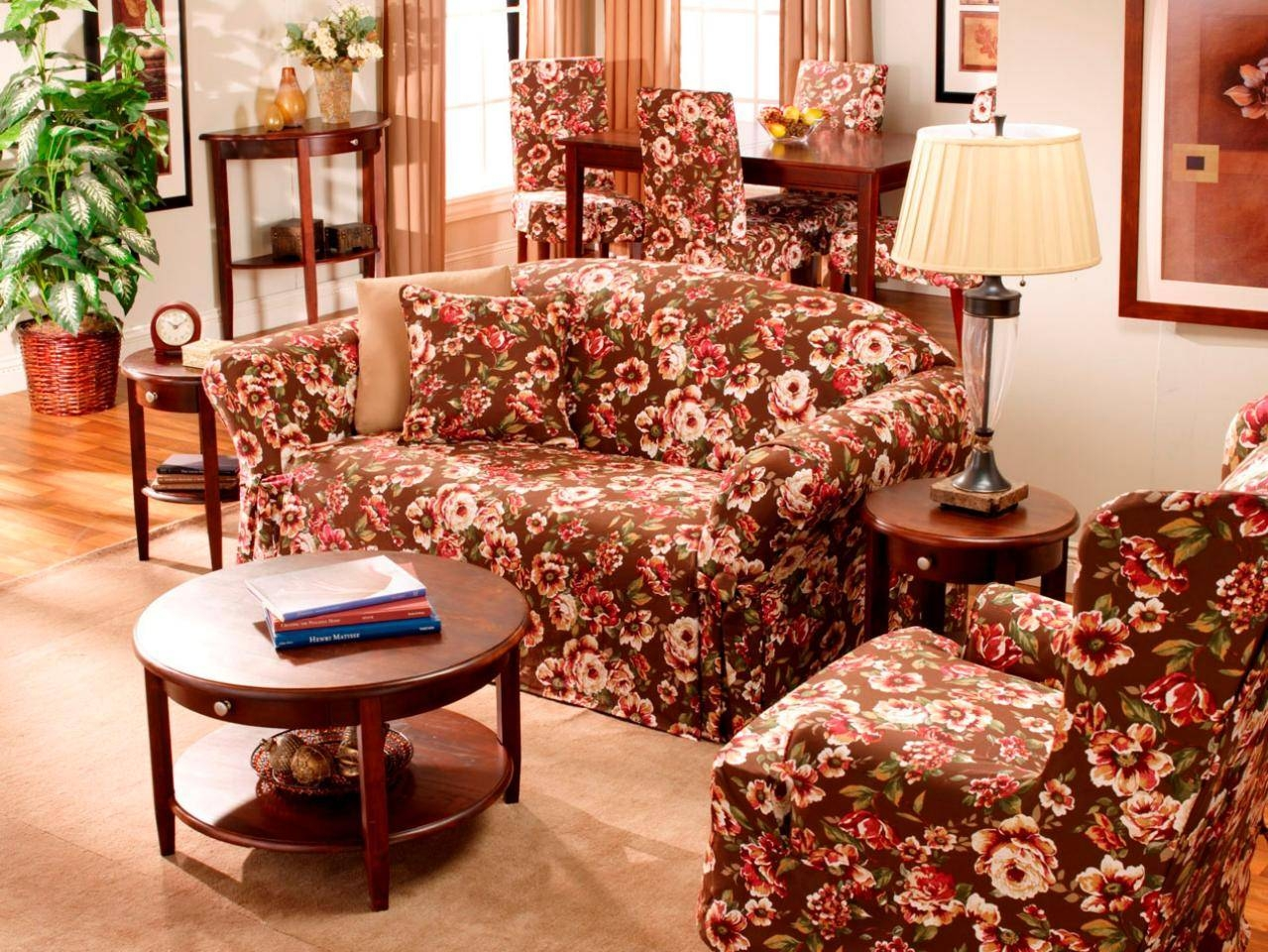 Primitive Living Room With Floral Couch - Carameloffers pertaining to Chintz Floral Sofas (Image 29 of 30)